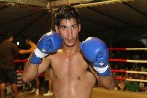 Oct 26 - Esteban Santaigym wins by 3rd round KO